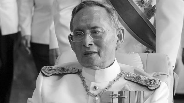 Retg Bhumibol Adulyadej è mort.