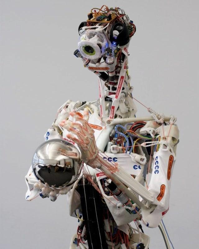 Roboter Ecce