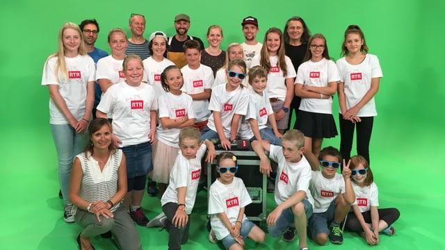 visita d'ina scola en il studio da televisiun