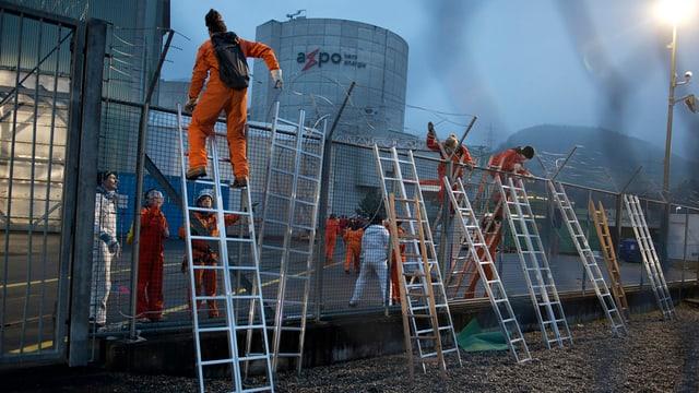 Am 5. März machte Greenpeace dann mit einer Protest-Aktion im AKW Beznau Döttingen auf ihre Anliegen aufmerksam.