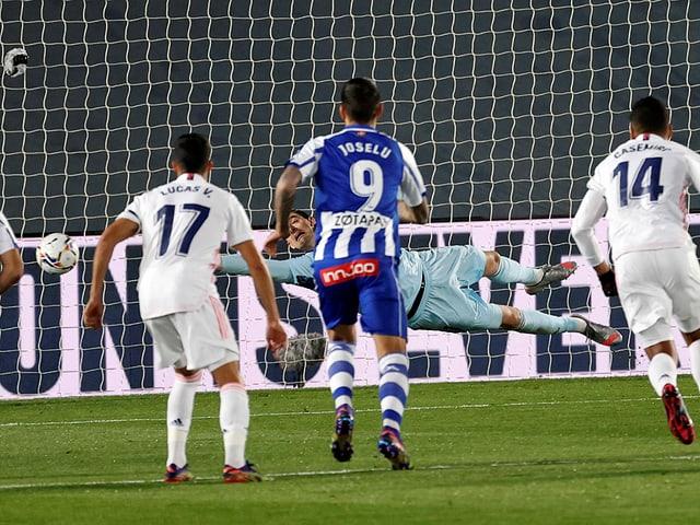 Real kassiert nach 5 Minuten das 0:1 per Penalty.