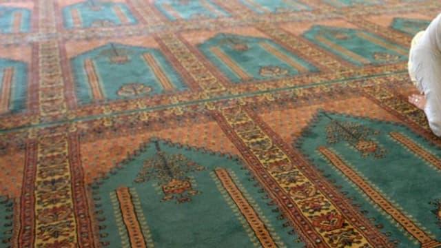 Gebetsteppich in einer Moschee.