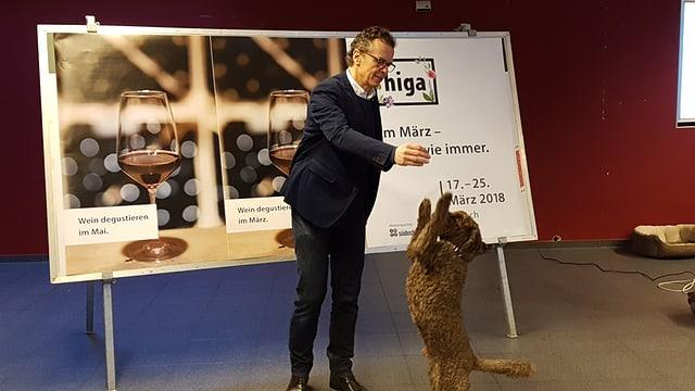 Marco Engel cun ses chaun.