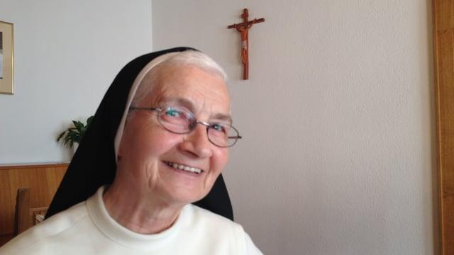 La priura da la claustra Cazas sora Agnes Brogli.