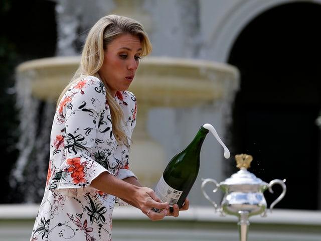 Kerber mit Champagner.