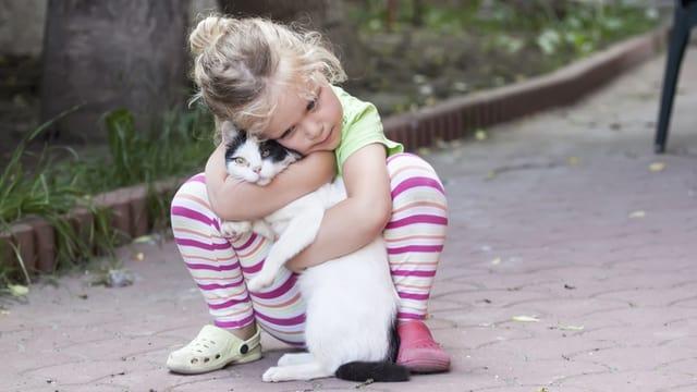 Mattetta cun ses gat.