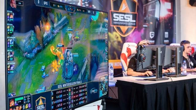 Ein League of Legends Spiel, das von der Schweizer E-Sport Liga übertragen wird.