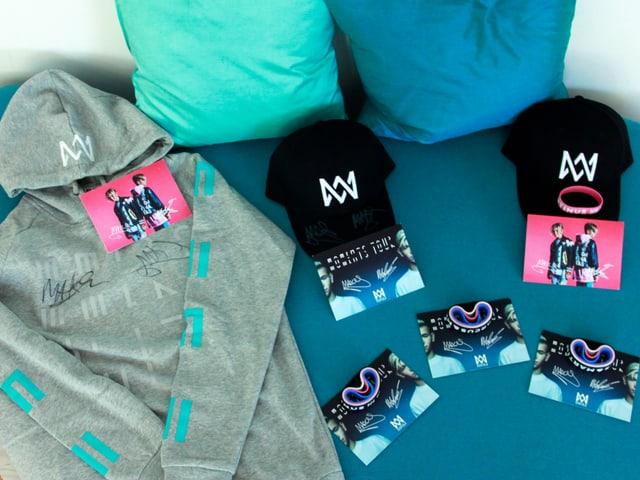Geschenke von Marcus & Martinus, Pulli, Caps, Armbänder