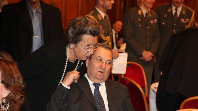 Rudolfine Steindling mit dem ehemaligen israelischen Ministerpräsidenten Ehud Barak.