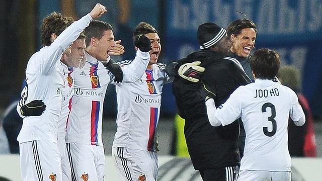 Der FCB steht trotz einer 0:1-Niederlage bei Zenit im Europa-League-Viertelfinal.