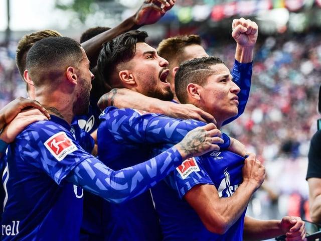 Schalke feiert in Leipzig ein 3:1.