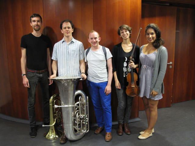 Fünf junge Musikerinnen und Musiker der Lucerne Festival Academy.