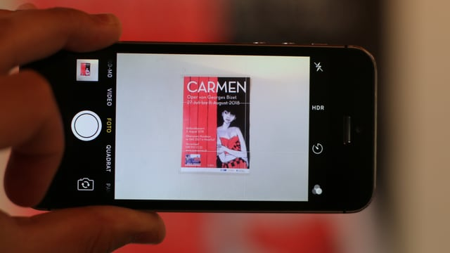 Il placat per Carmen a l'Opera Viva 2018 sin in telefonin.
