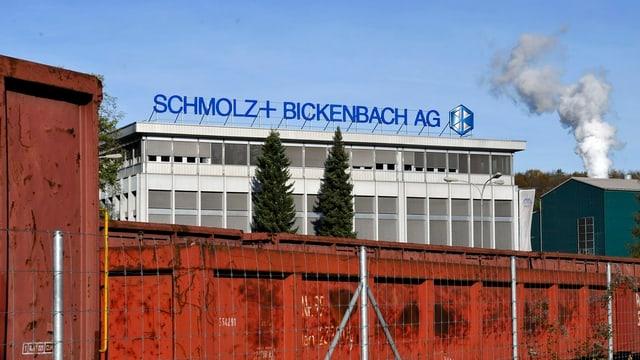 Stahlkonzern Schmolz + Bickenbach wehrt sich gegen eine Übernahme durch den russischen Investor Viktor Vekselberg.