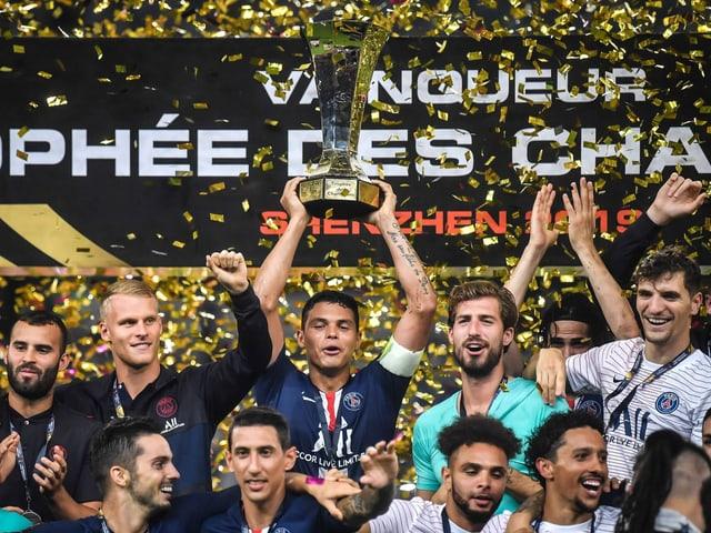 Stämmen die Supercup-Trophäe bereits zum 9. Mal in die Höhe: Paris Saint-Germain