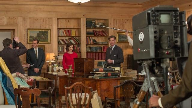 Ein Filmteam macht sich bereit für ein Interview mit Jackie.