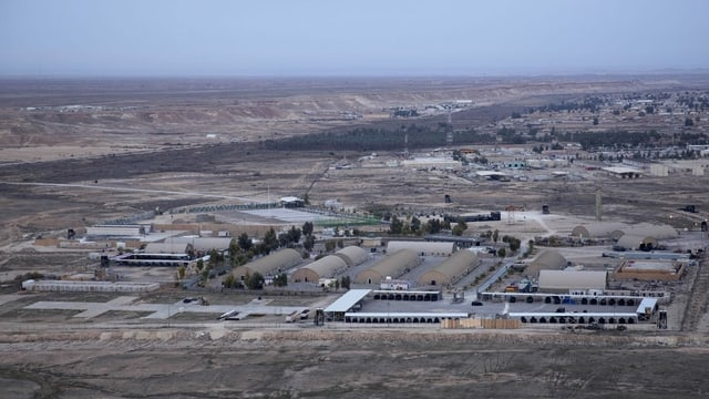Das Bild zeigt die Luftwaffenbasis Ain al-Asad im Irak.
