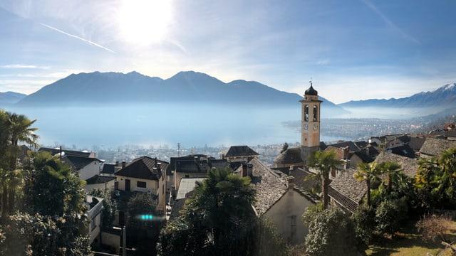 Blick von Brione über den Lago Maggiore.