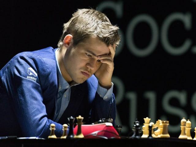Magnus Carlsen während einer Schach-Partie.