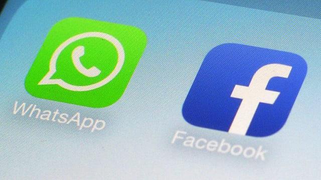 Facebook- und WhatsApp-Apps nebeneinander