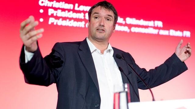 SP-Chef Levrat bei einer Rede