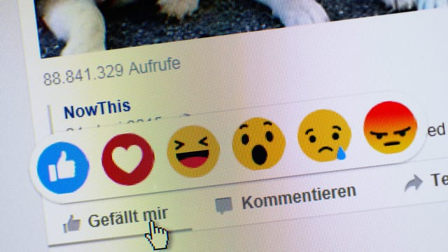 Symbolbild: Screenshot von Facebook mit den 'Gefällt-mir'-Buttons.