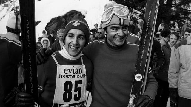 Ils dus skiunzs svizzers Heini Hemmi e Dumeng Giovanoli suenter la cursa dal Lauberhorn dal 1970 a Wengen.
