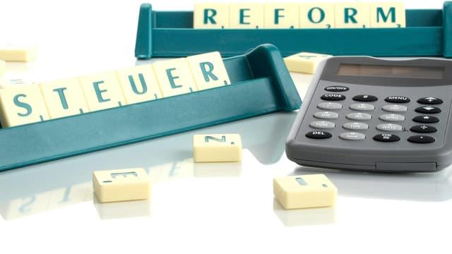 """Scrabble-Steine """"Steuerreform"""""""