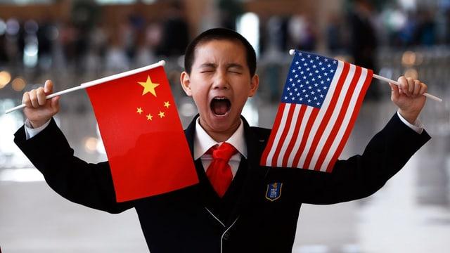 China und US-Flaggen.