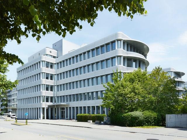 In diesem Bürogebäude in Neu-Oerlikon soll ab Ende 2017 ein Teil der Stadtverwaltung einziehen.