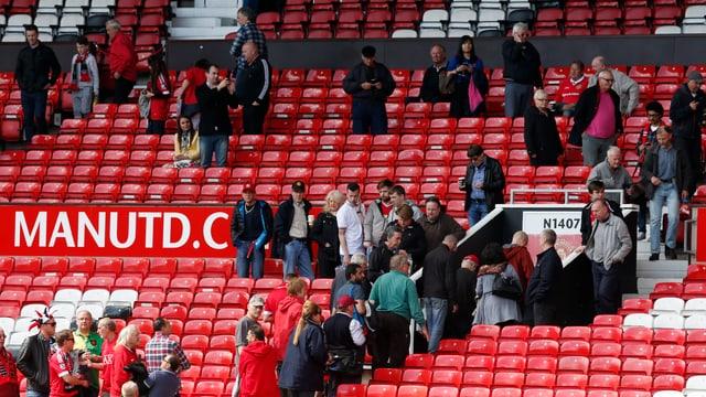 Das Old Trafford wird evakuiert.
