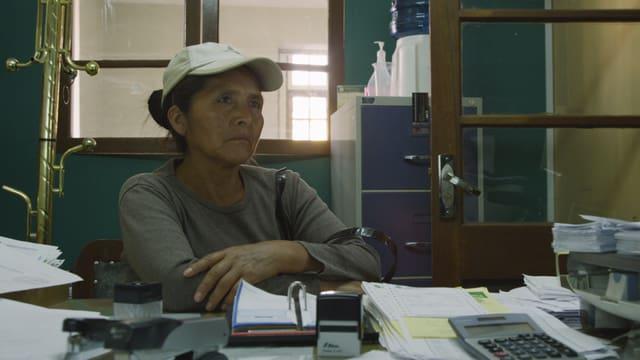 Video «Talking Money - Menschen im Gespräch mit Bankberatern» abspielen