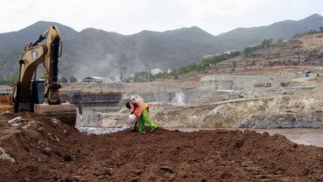 Staudamm-Baustelle