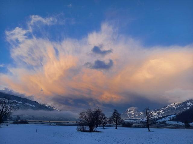 Orange Wolken