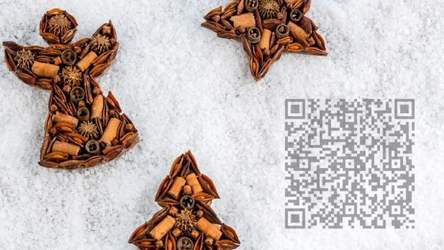Weihanchtsmotiv mit Engel im Schnee, darüber ein QR-Code.