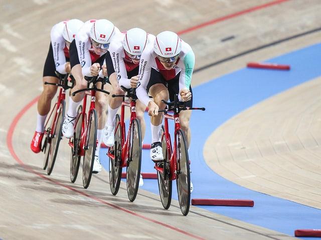 Weitere Sport-News des Tages - Bahnvierer stellt Schweizer Rekord auf und siegt