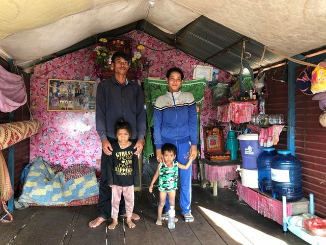Der Fischer Pheak So, der im Floating Village Chong Khneas am Tonle Sap lebt, sagt, er fange nicht mehr genügend Fische, um seine Familie zu ernähren.