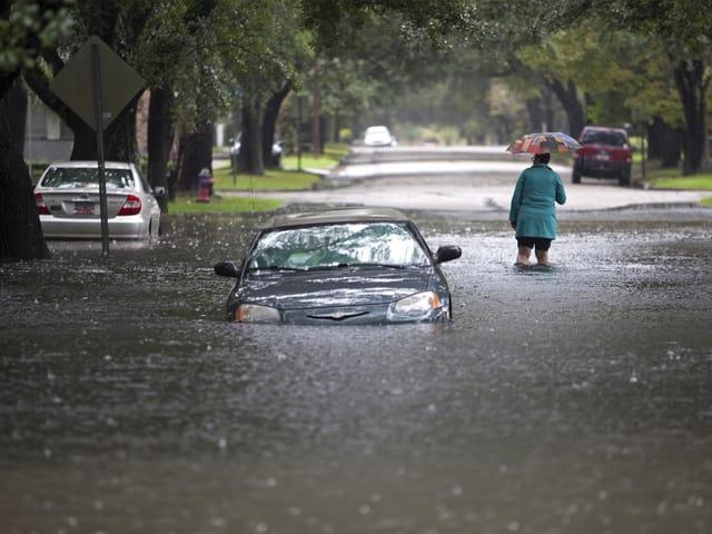 Ausläufer des Hurrikans «Joaquin» haben sich über Georgetown (South Carolina) eingenistet und entladen sich. Reuters