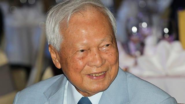 L'anteriur schef da la regenza tailandaisa Prem Tinsulanonda, qua ad in occurrenza il 2014.