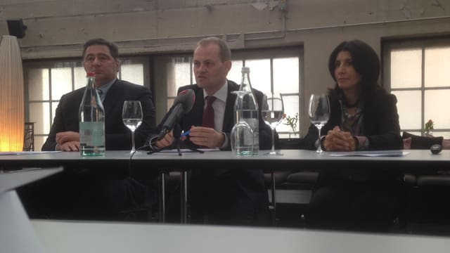 Teilnehmer an der Medienkonferenz zu BaseLunch.
