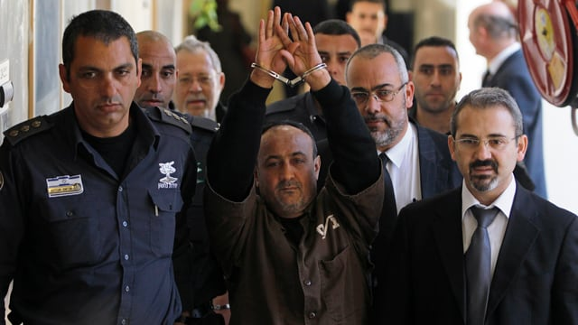 Marwan Barghouti in Handschellen.