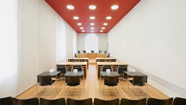 Blick in einen Verhandlungssaal des Bundesgerichts in Luzern.