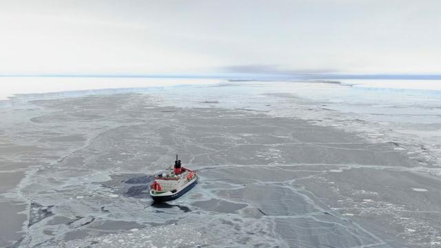 «Polarstern» im Eis.