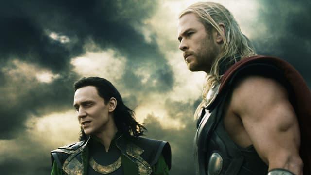 Im Kampf gegen das Böse vereint Tom Hiddleston als Loki, Chris Hemsworth als Thor