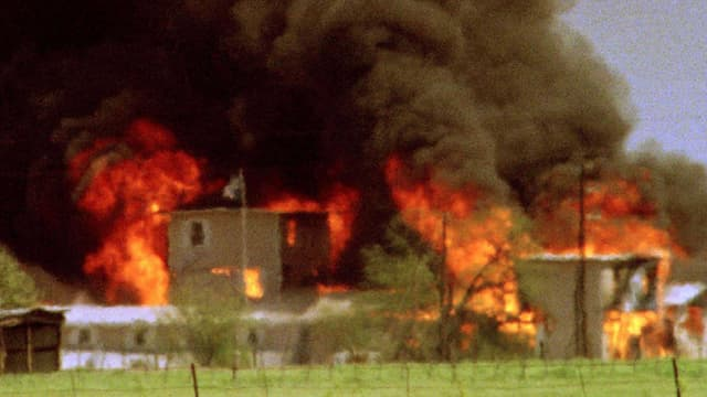 Brennende Ranch der Davidianersekte.