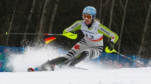 Susanne Riesch beim Slalom in Aktion.