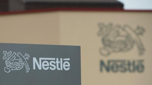purtret dal logo da Nestlé