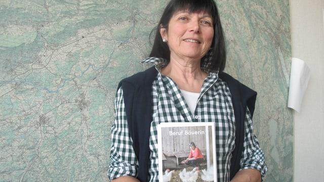Die Autorin Susann Bosshard-Kälin hat für ihr Buch 13 Absolventinnen der Bäuerinnenschule im Kloser Fahr porträtiert.