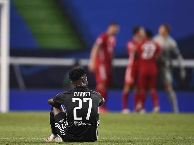 Lyon-Stürmer Maxwel Cornet nach der 0:3-Niederlage im Champions-League-Halbfinal gegen Bayern München.