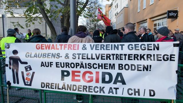 Pegida-Demonstration in Weil am Rhein im November 2015.